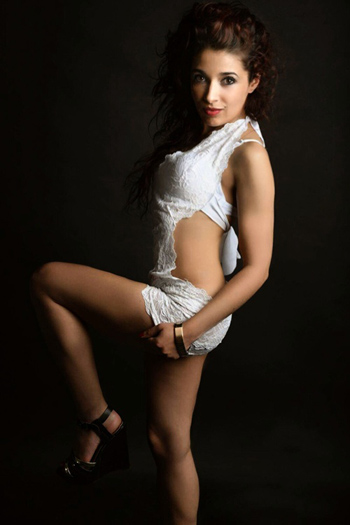 Escort Mona Extremely Petite Small Anal Sex For Pocket Money Berlin