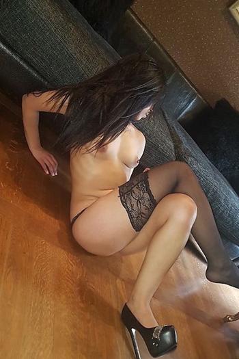 Sex In Berlin With Top Escort Hooker Naomi