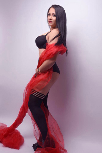 Josefine Nymphomanin Doggy-Style Escortservice Berlin