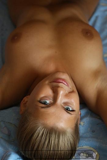Hobbyhuren Berlin Elisa bietet günstiges Escortservice mit geilen Sexuellen Dates